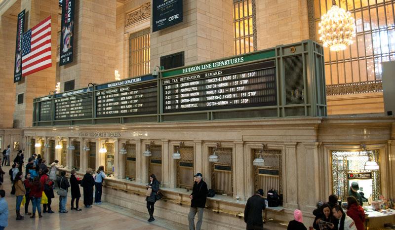 interior de la estación de tren