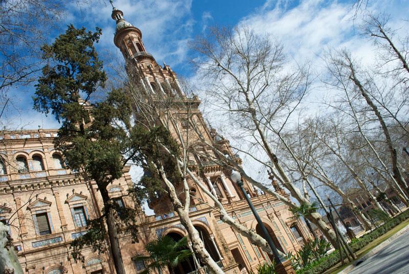 La sede de la Expo y pabellón español