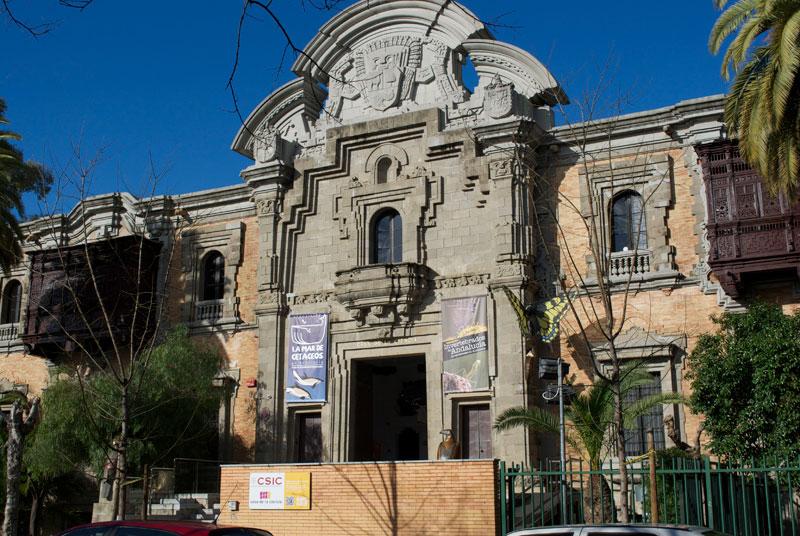 Fachada del Pabellón de Perú. Sede Consular y de instalaciones del CSIC