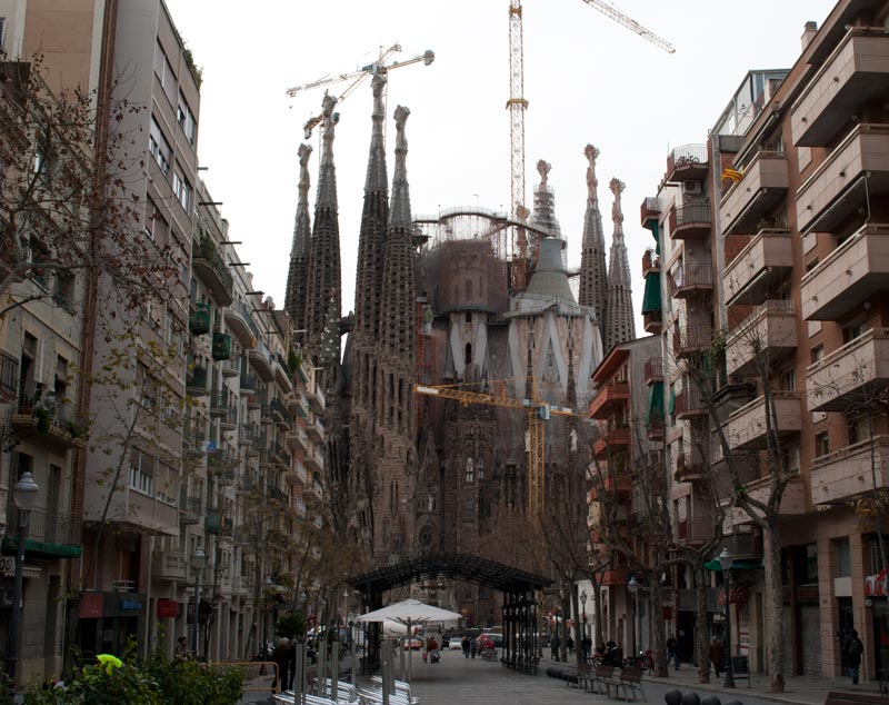 La Sagrada Familia from the Gaudí Avenue in the morning, bad time for taking pictures.