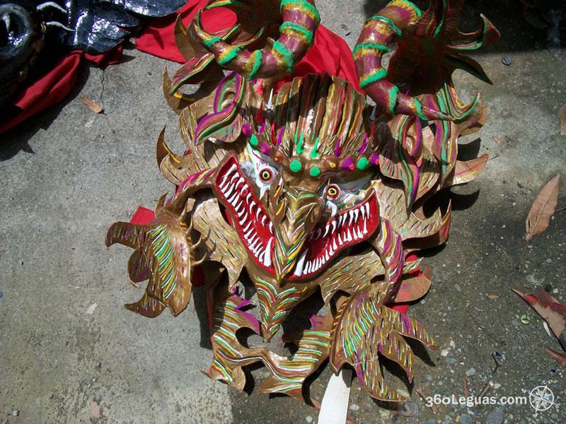 una máscara de Yare