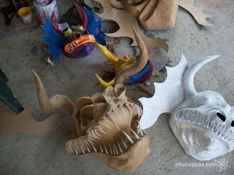 Producción de máscaras, listas para ensamblar y pintar