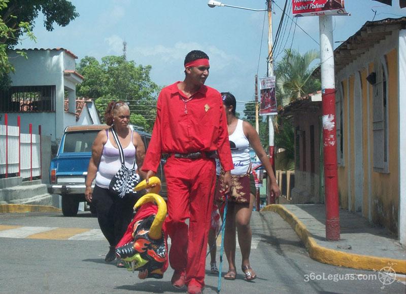 Diablo caminando hacia La Pica