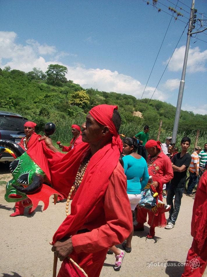 diablos en procesion